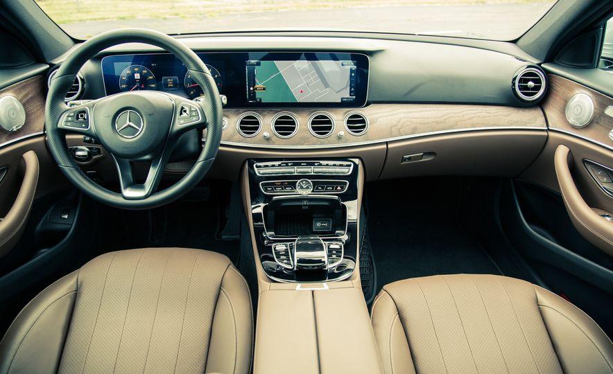2017 Mercedes-Benz E300 4MATIC - Slide 21
