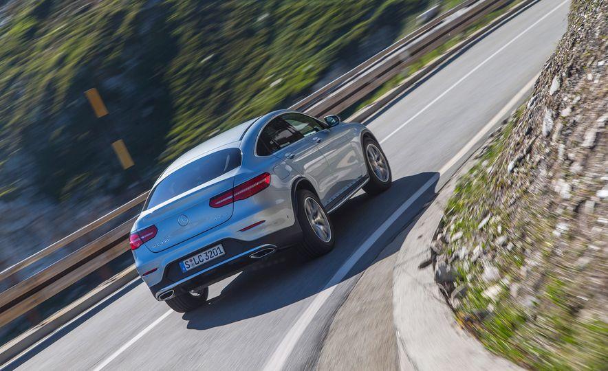 2017 Mercedes-Benz GLC300 4MATIC coupe - Slide 4