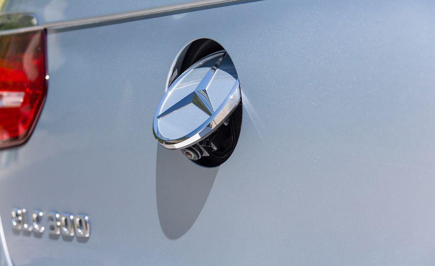 2017 Mercedes-Benz GLC300 4MATIC coupe - Slide 22
