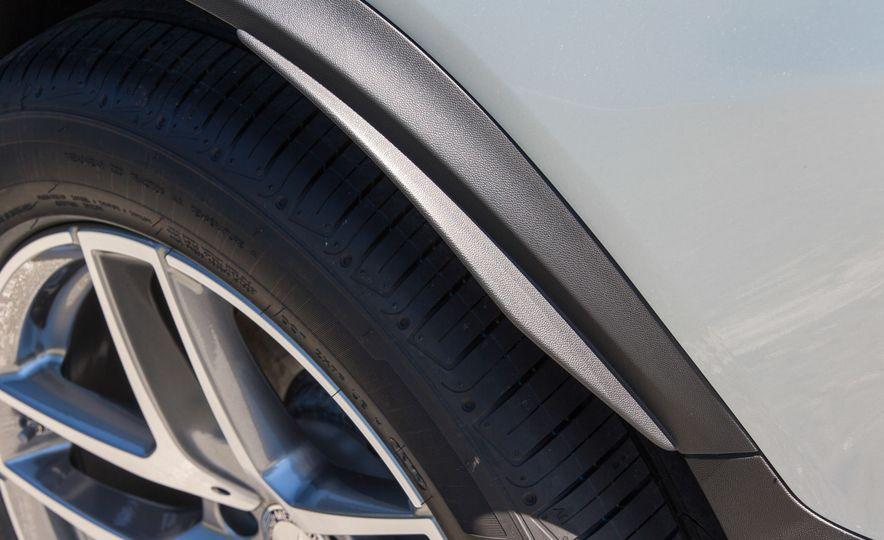 2017 Mercedes-Benz GLC300 4MATIC coupe - Slide 23