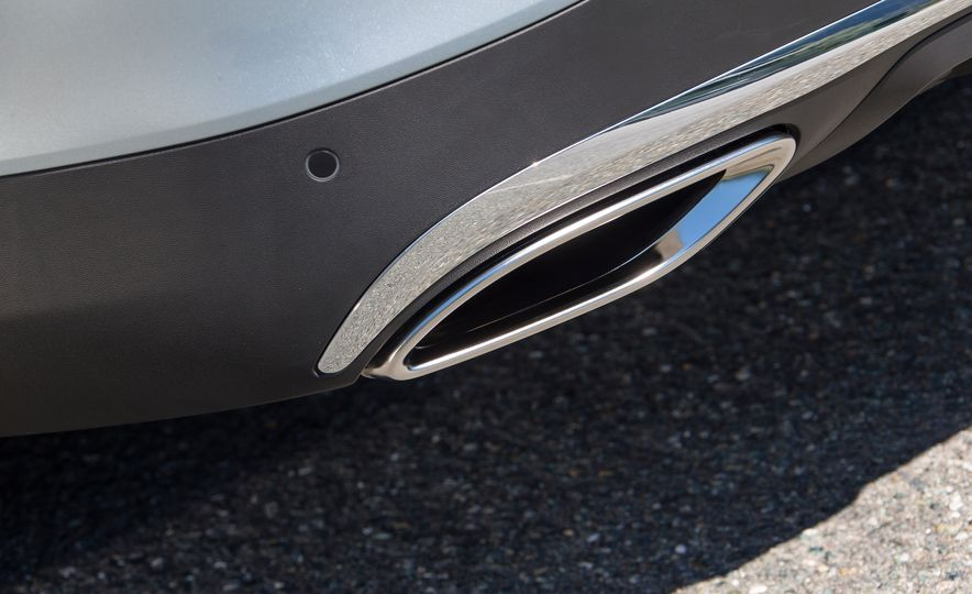 2017 Mercedes-Benz GLC300 4MATIC coupe - Slide 24