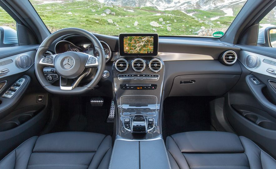 2017 Mercedes-Benz GLC300 4MATIC coupe - Slide 25