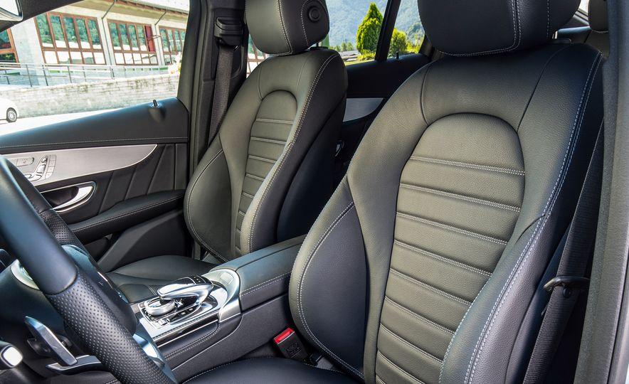 2017 Mercedes-Benz GLC300 4MATIC coupe - Slide 26