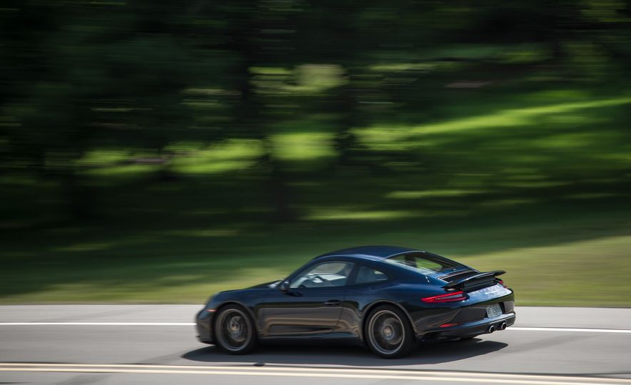 2017 Porsche Macan GTS - Slide 33