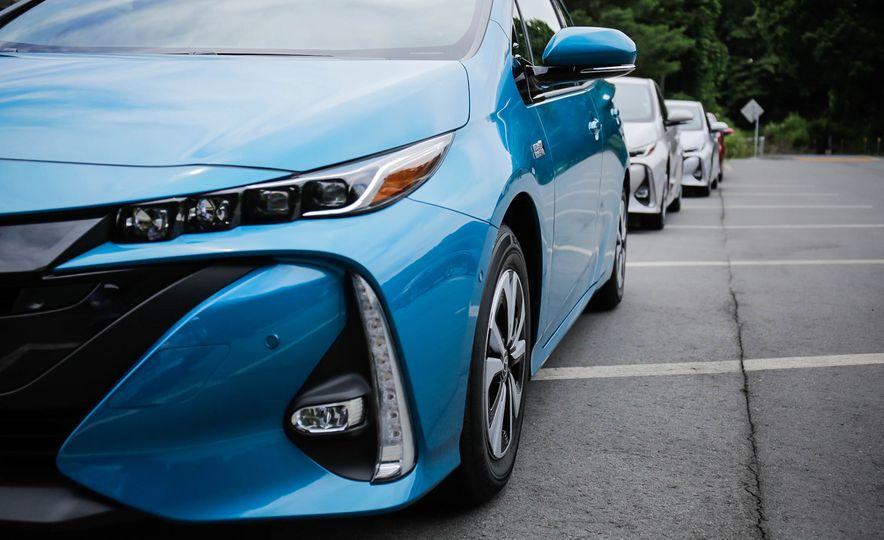 2017 Toyota Prius Prime plug-in hybrid - Slide 4