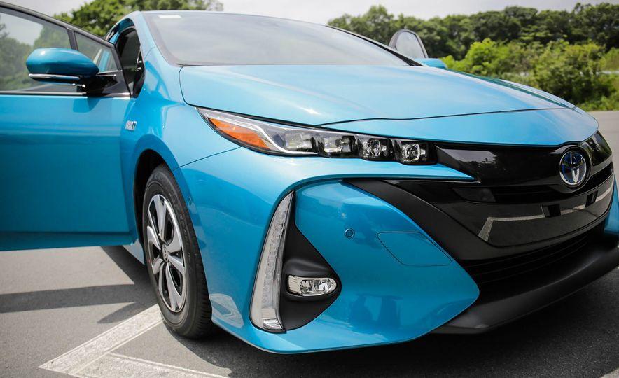 2017 Toyota Prius Prime plug-in hybrid - Slide 5