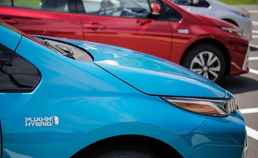 2017 Toyota Prius Prime plug-in hybrid - Slide 6