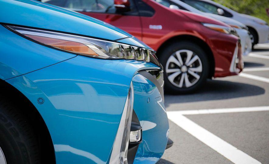 2017 Toyota Prius Prime plug-in hybrid - Slide 7