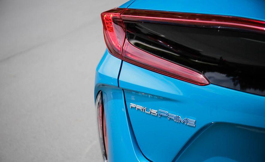 2017 Toyota Prius Prime plug-in hybrid - Slide 9