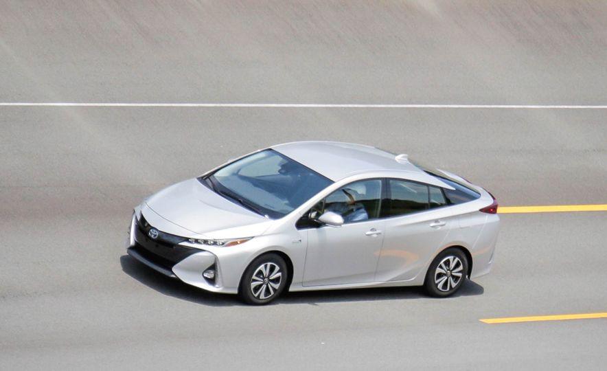2017 Toyota Prius Prime plug-in hybrid - Slide 12