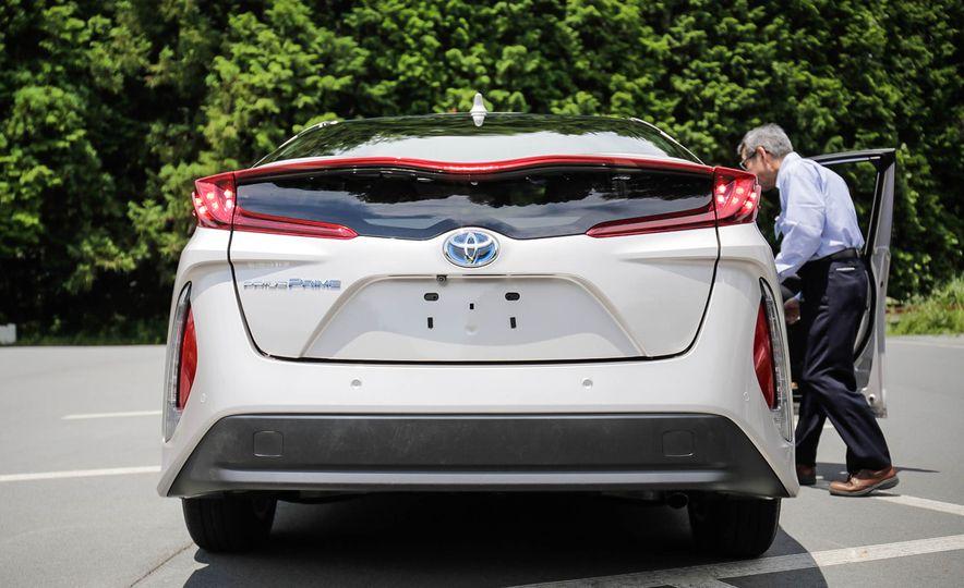 2017 Toyota Prius Prime plug-in hybrid - Slide 16