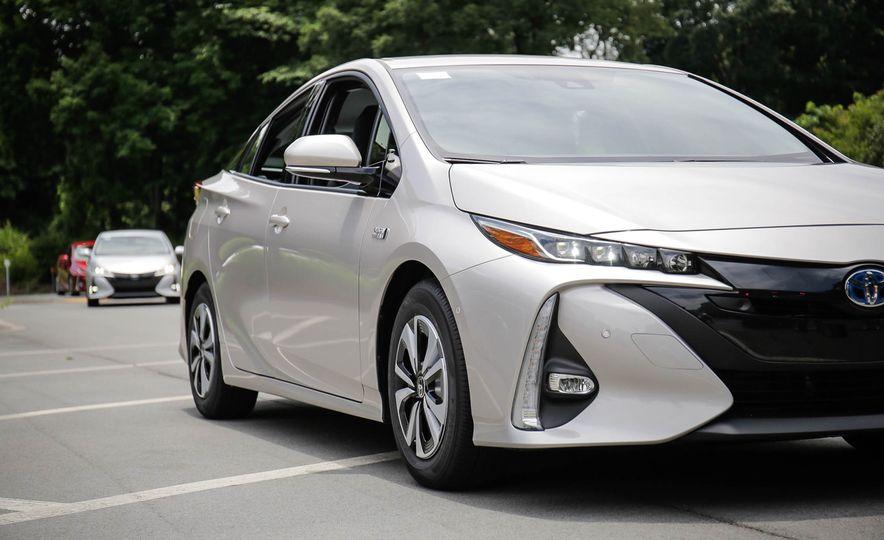2017 Toyota Prius Prime plug-in hybrid - Slide 17
