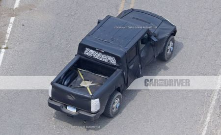 Jeep Wrangler Pickup to Offer a Folding Softtop