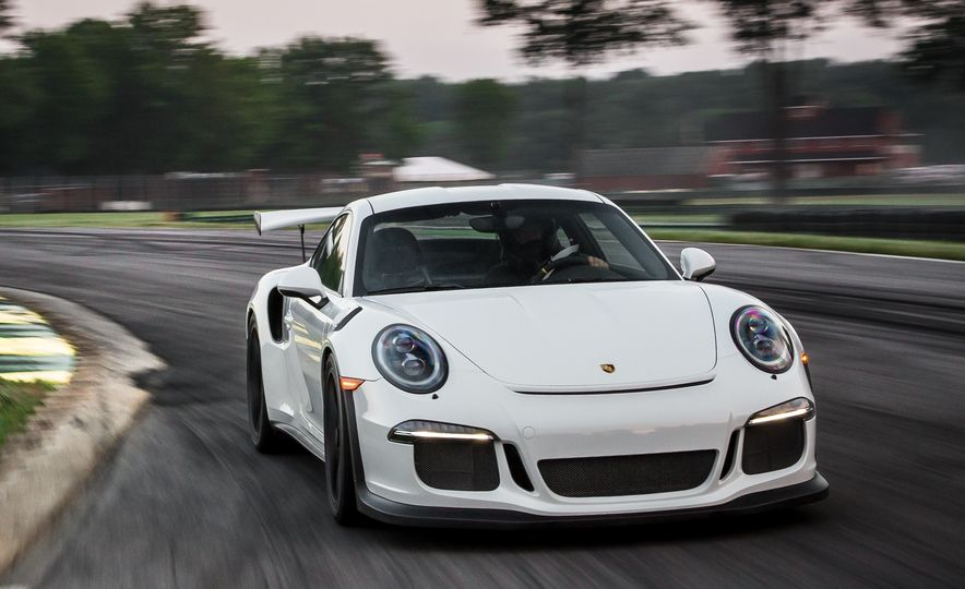 Porsche 911 GT3 RS Tech Dive: Why It's the Best 911 of Them All - Slide 32