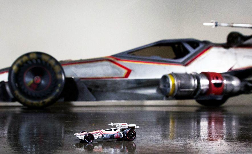 Star Wars Hot Wheels Carships - Slide 6