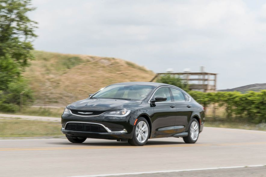 2016 Chrysler 200 - Slide 2
