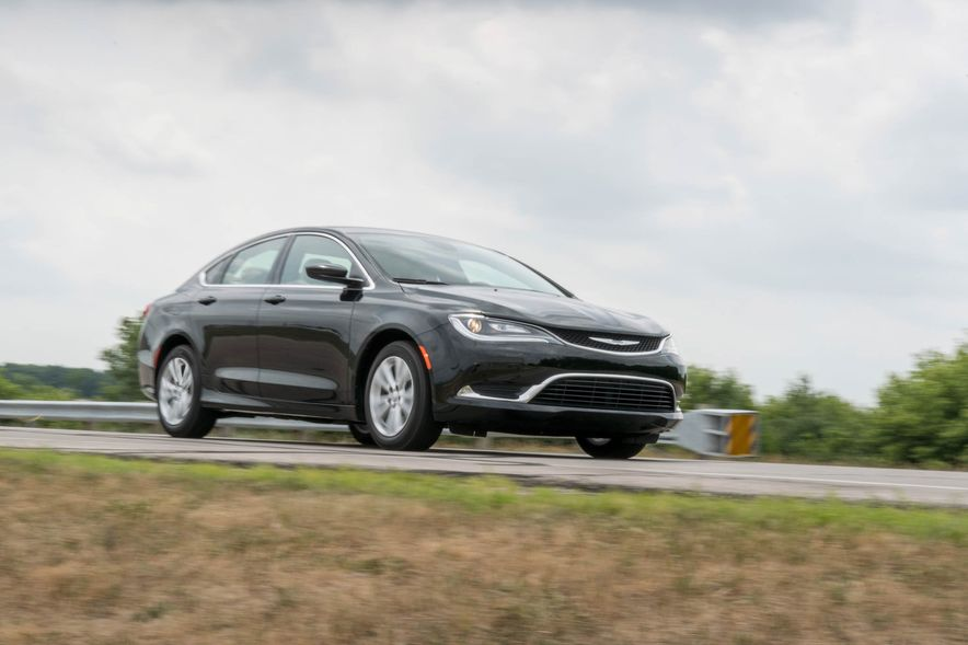 2016 Chrysler 200 - Slide 18