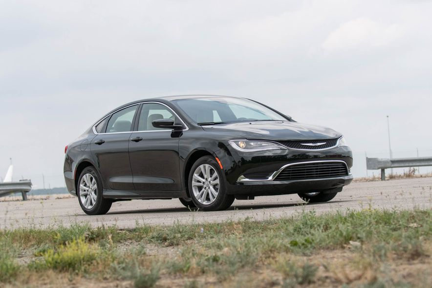2016 Chrysler 200 - Slide 19