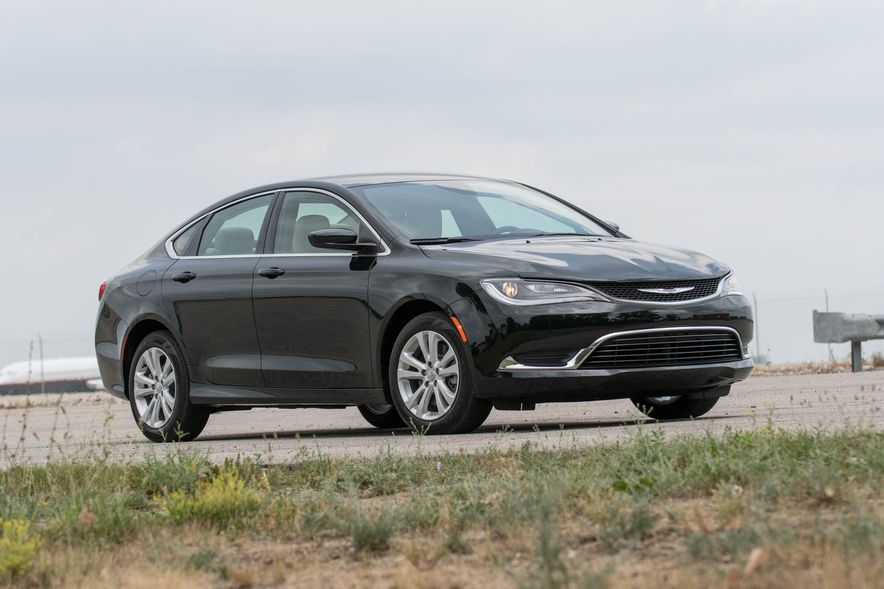 2016 Chrysler 200 - Slide 20