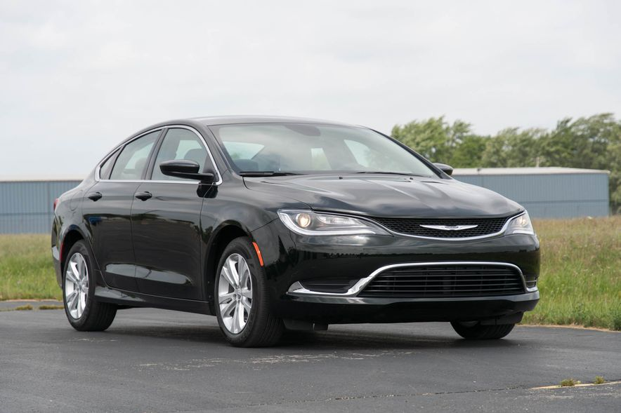 2016 Chrysler 200 - Slide 24