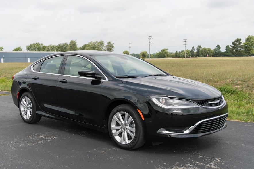 2016 Chrysler 200 - Slide 25