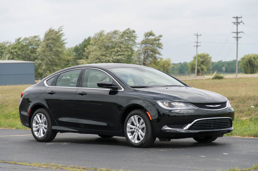 2016 Chrysler 200 - Slide 29