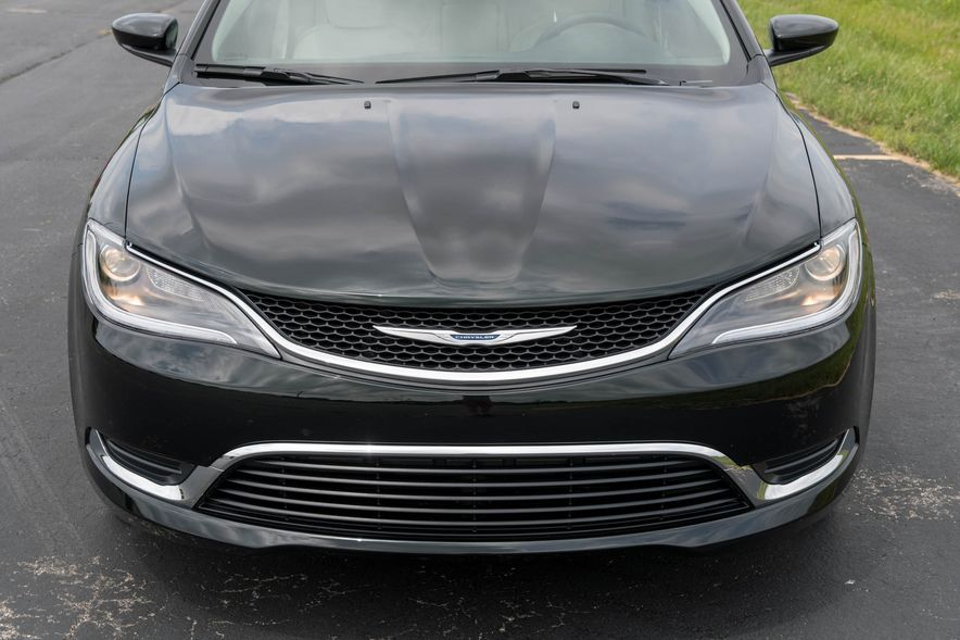 2016 Chrysler 200 - Slide 33