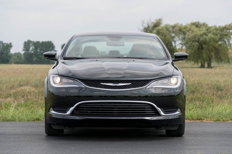 2016 Chrysler 200 - Slide 34
