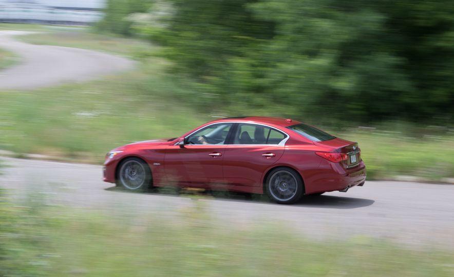 2016 Infiniti Q50S Red Sport 400 - Slide 6
