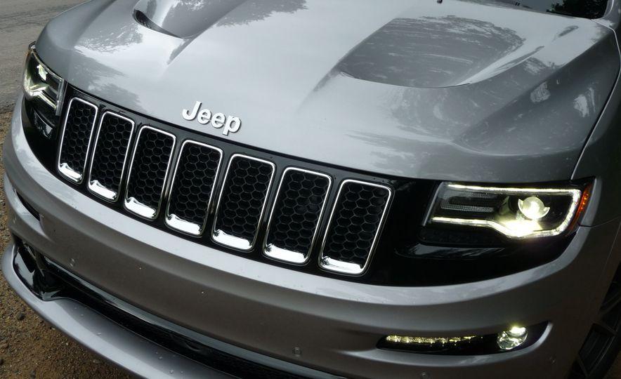 2016 Jeep Grand Cherokee SRT - Slide 9