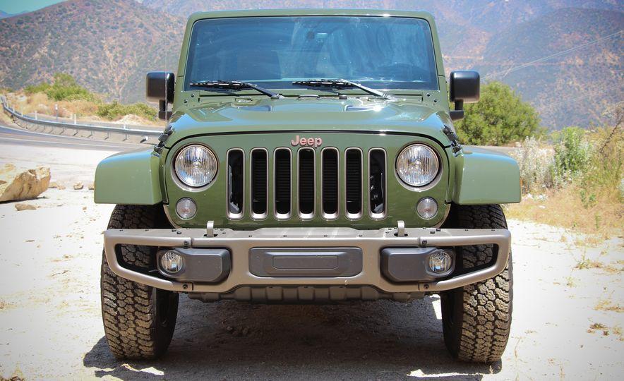 2016 Jeep Grand Cherokee Summit - Slide 20