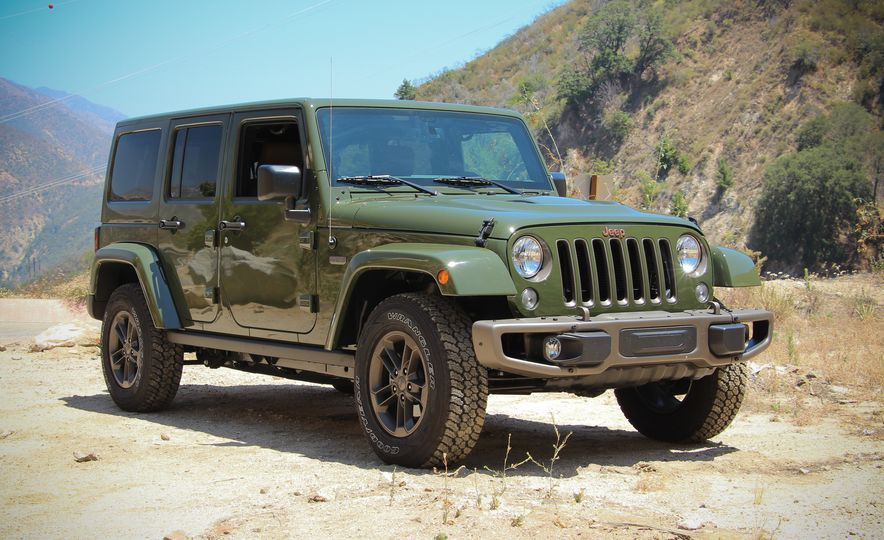 2016 Jeep Grand Cherokee Summit - Slide 21