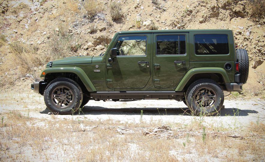 2016 Jeep Grand Cherokee Summit - Slide 23
