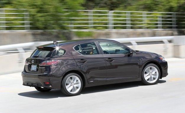 https://hips.hearstapps.com/amv-prod-cad-assets.s3.amazonaws.com/wp-content/uploads/2016/08/2016-Lexus-CT200h-117-626x382.jpg