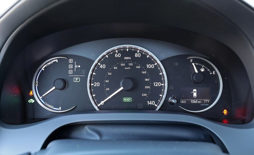 2016 Lexus CT200h - Slide 26