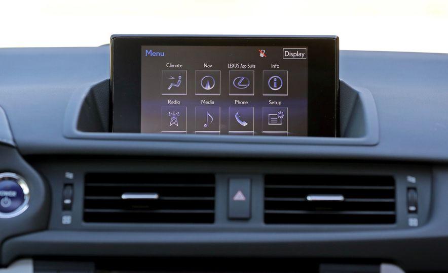 2016 Lexus CT200h - Slide 27
