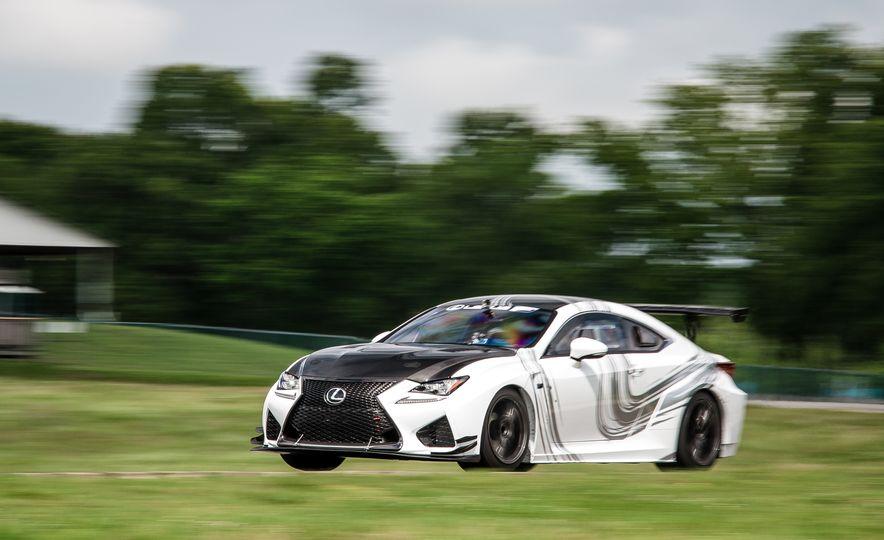 2016 Lexus RC F GT concept - Slide 2