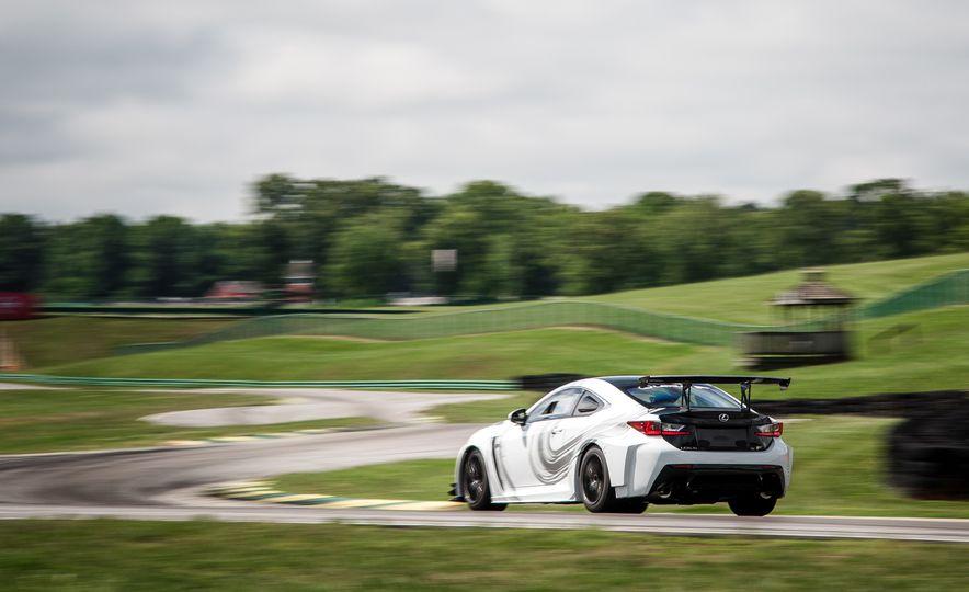 2016 Lexus RC F GT concept - Slide 11