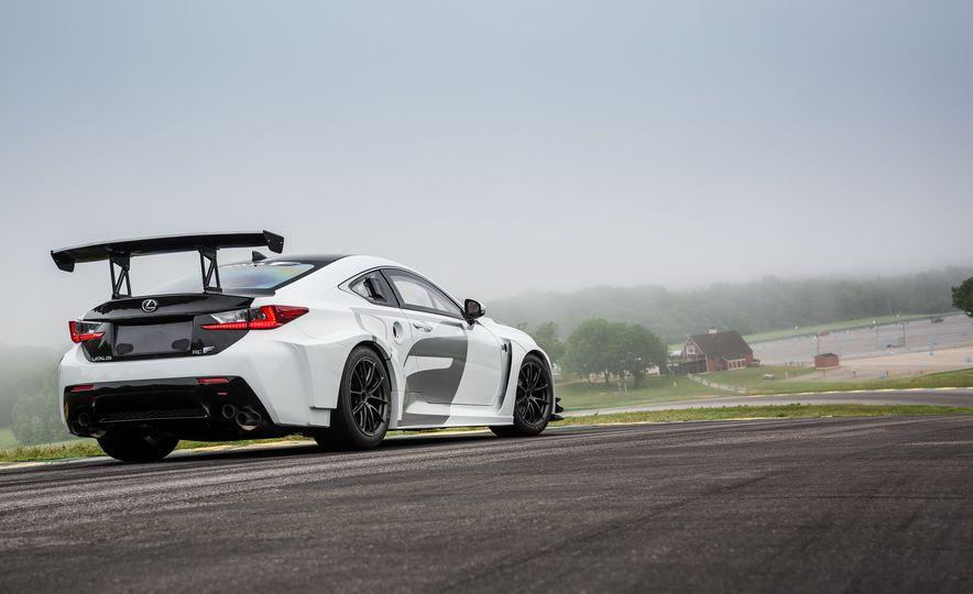 2016 Lexus RC F GT concept - Slide 16