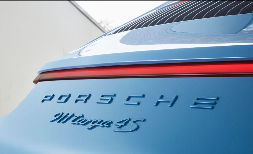 2016 Posrche 911 Targa 4S Exclusive Design Edition - Slide 6