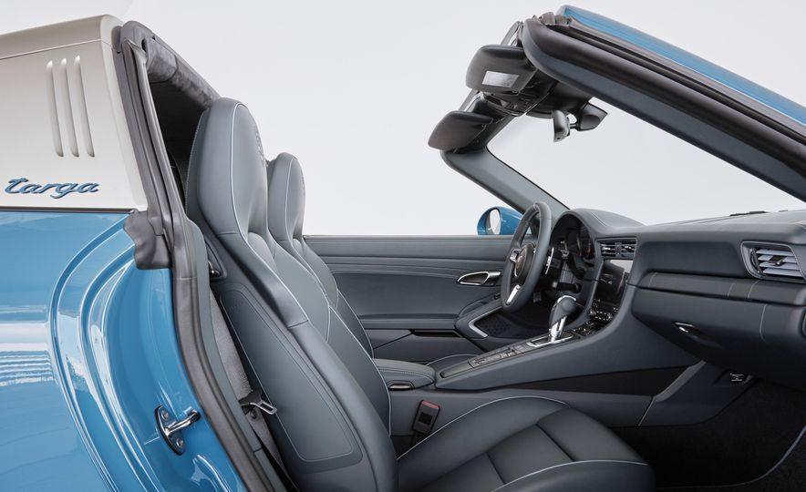 2016 Posrche 911 Targa 4S Exclusive Design Edition - Slide 8