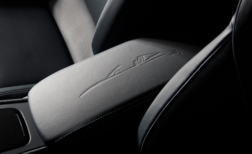 2016 Posrche 911 Targa 4S Exclusive Design Edition - Slide 11