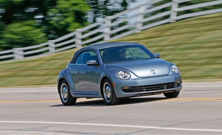 2016 Volkswagen Beetle convertible Denim Edition - Slide 1