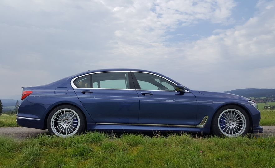 2017 BMW Alpina B7 - Slide 29