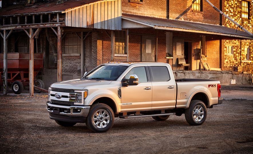 2017 Ford F-350 Super Duty - Slide 1