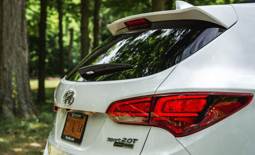 2017 Hyundai Santa Fe Sport - Slide 16
