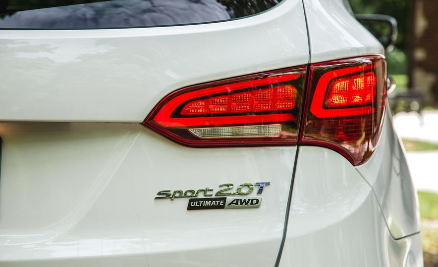 2017 Hyundai Santa Fe Sport - Slide 17