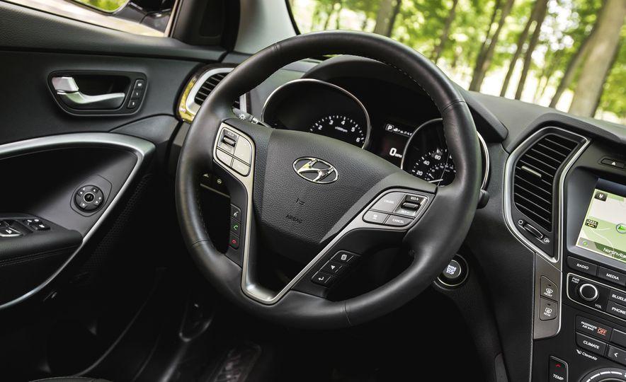 2017 Hyundai Santa Fe Sport - Slide 30