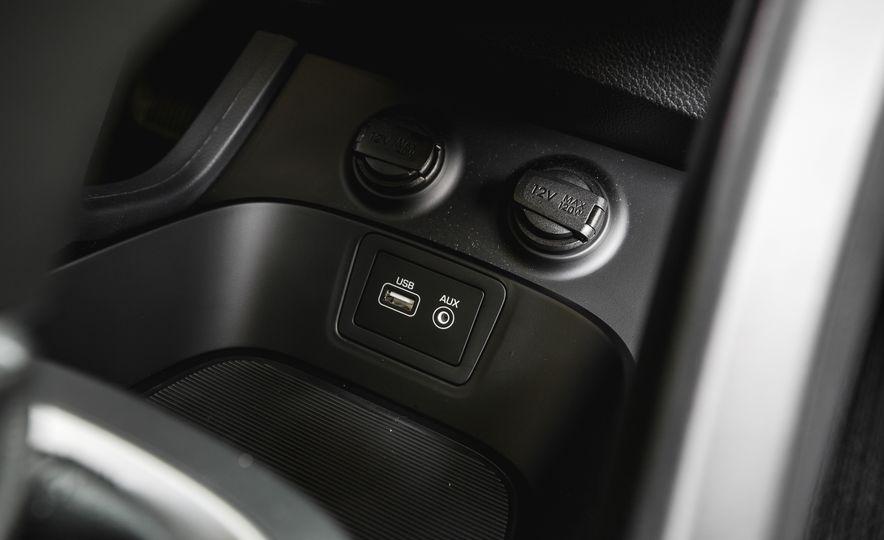 2017 Hyundai Santa Fe Sport - Slide 39