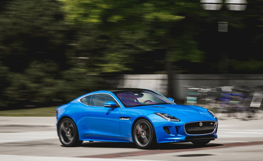 2017 Jaguar F-type S coupe - Slide 2